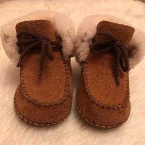 Ugg Sparrow toddler boot unisex sz 4/5 classic tan